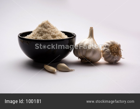 Garlic or lahsun powder