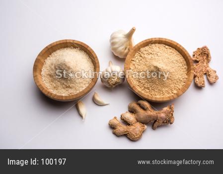 Ginger Garlic Powder with whole ginger and garlic