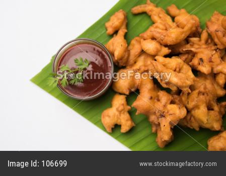 Kanda Bhajji or Pyaj Pakode or fried onion pakora