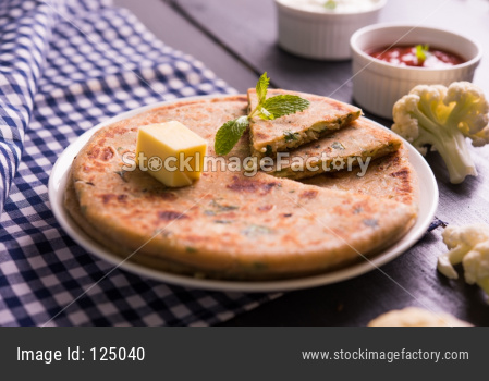 Stuffed Gobi Paratha or cauliflower parotha