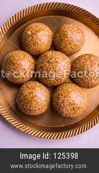 Til ke Ladoo using sesame and Jaggery/Gur