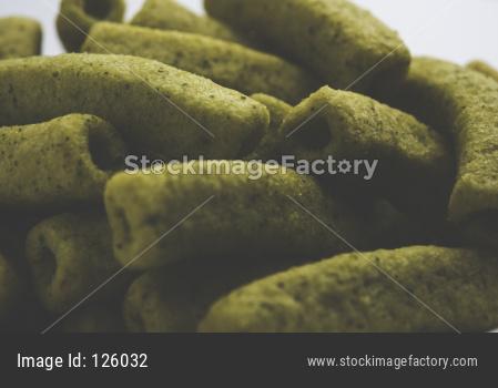 crispy potato macaroni shape palak flavoured fryums