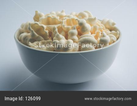 White shell shape potato fryums