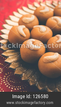 sweet Rava Ladoo or Semolina Laddu