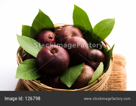 Alphonso mangoes in a gift box