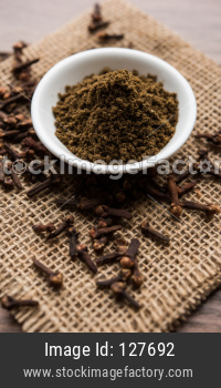 Cloves or laung or lavang powder