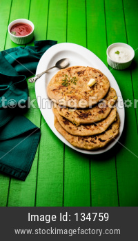 Aloo Paratha / Potato stuffed Flatbread