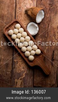 Coconut Sweet Laddoo OR Nariyal Laddus