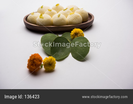 Rasgulla made for Dussehra or Navratri festival with Apta leaf