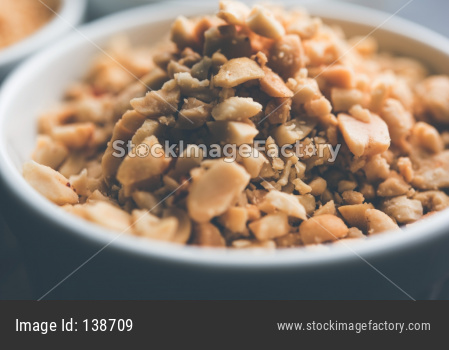 Crushed peanuts or mungfali powder with whole and roasted groundnut