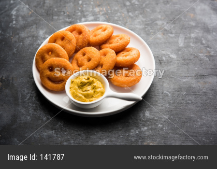 smile face crunchy fried potato snacks