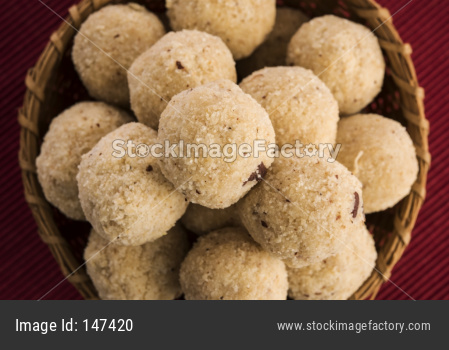 Homemade Coconut Sweet Laddoo OR Nariyal Laddu