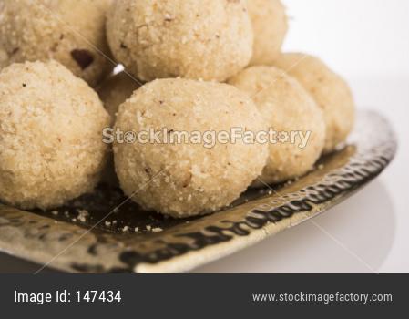 Homemade Coconut Sweet Laddoo OR Nariyal Laddu