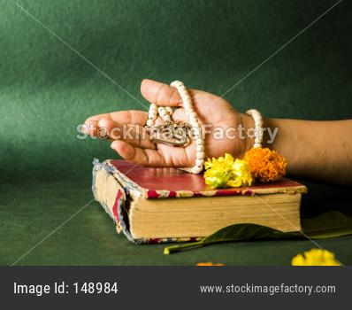 Indian ancient literature bhagwad Gita, ramayana and mahabharat book