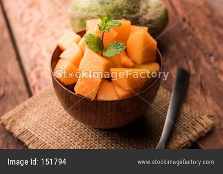 Cantaloupe / muskmelon / kharbuja pieces in bowl