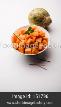 Cantaloupe / muskmelon / kharbuja pieces in bowl