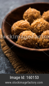 Jaggery coconut Laddoo / Nariyal gur ke laddu