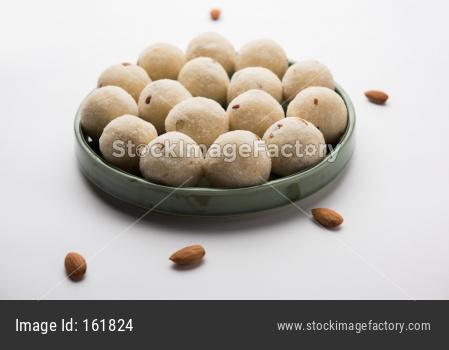Rava Laddu or Semolina Laddoo Or Rawa Ladu