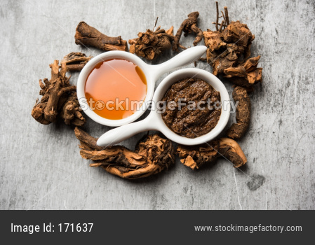 Ayurvedic Chitrak Honey face mask made using  Plumbago zeylanica and shahad